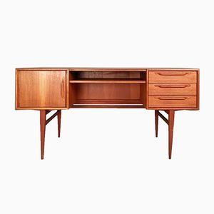 Schreibtisch aus Teak von Heinrich Riesenpatt Möbelfabrik, 1960er