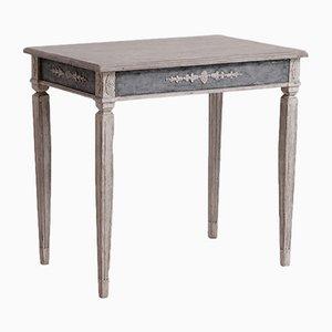 Antiker Holztisch in Grau