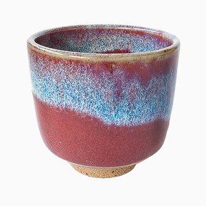 Tazza da tè in gres bianco e smaltata color rosso scuro flambé di Marcello Dolcini, 2018