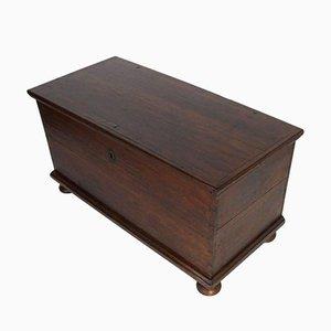 Baule antico in legno d'abete massiccio