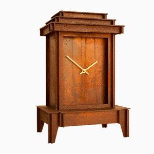 Horloge One More Time en Acier Corten Rouille par Kiki Van Eijk & Joost Van Bleiswijk
