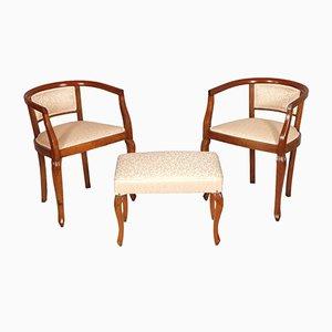 Geschnitzte italienische Jugendstil Sessel & Hocker aus Nussholz, 1910er