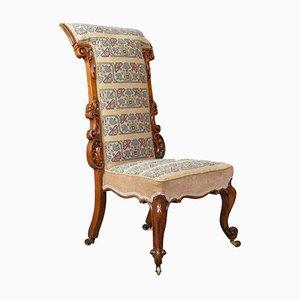 Sedia antica in legno di noce intagliato e stoffa ricamata, metà XIX secolo