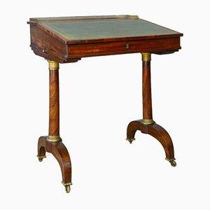 Escritorio inglés antiguo de caoba, década de 1820