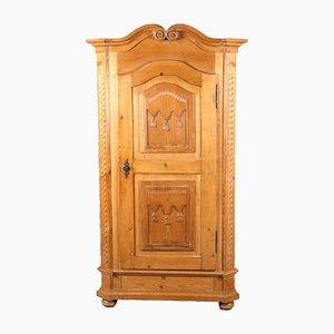 Armario barroco antiguo de madera blanda