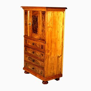 18th Century Baroque Walnut Veneered Dresser