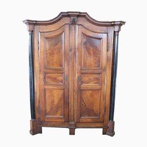 Armadio antico in legno di noce massiccio, Italia, inizio XIX secolo