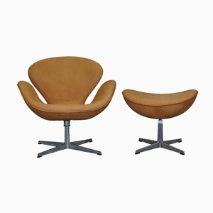 Swan Armchair & Egg Footstool Set from Fritz Hansen, 1976