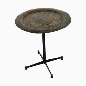 Tavolino smaltato in ottone con incisioni, anni '50