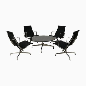 Juego de mesa de centro y sillas modelo EA 115 de Charles & Ray Eames, años 50