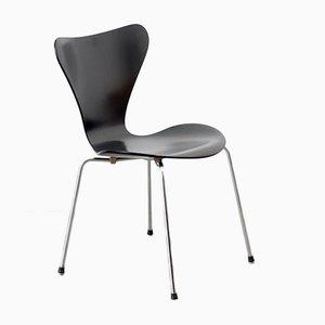 Sedia nr. 3197 della serie 7 nera di Arne Jacobsen per Fritz Hansen