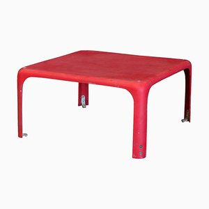 Mesa apilable Demetrio 45 roja de Vico Magistretti para Artemide, 1964
