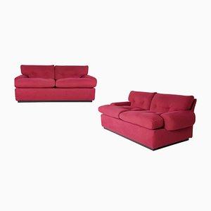 Sofás de dos plazas en color carmesí de alcantara de Osvaldo Borsani para Tecno, años 60. Juego de 2