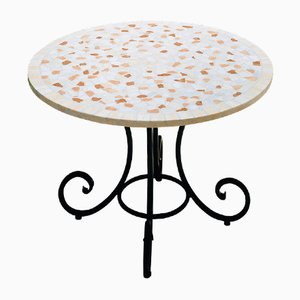 Tavolo Corallo rotondo in marmo mosaicato di Egram
