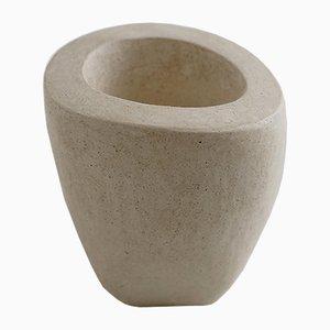 Vaso da fiori Stone Vessel 22 di Yasmin Bawa, 2019