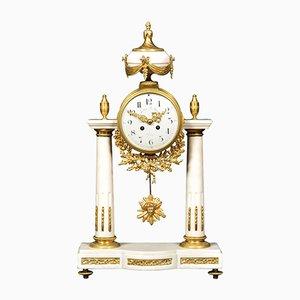Reloj de repisa francés de mármol blanco de Julien Le Roy, siglo XIX