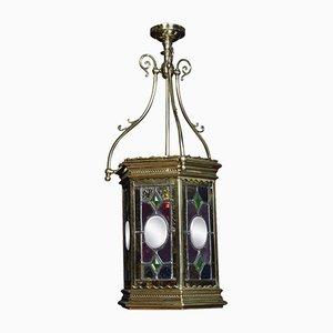 Farol victoriano antiguo con vitral