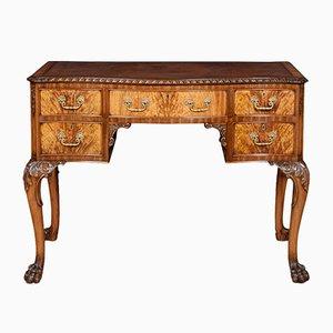Figurierter Schreibtisch aus Nussholz im Queen Anne Stil