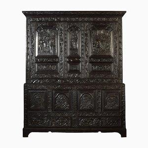 Comodino Queen Elizabeth I antico in legno di quercia intagliato