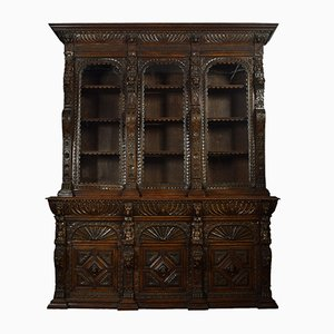 Großer antiker Renaissance Schrank aus geschnitztem Eichenholz