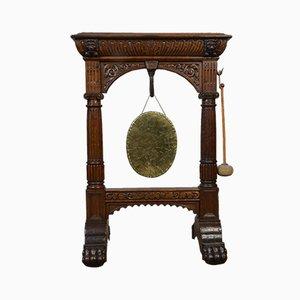 Gong antico in quercia intagliata, fine XIX secolo