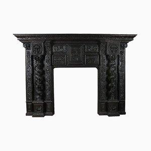 Monumentaler Kamin aus geschnitzter Eiche