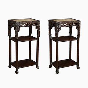 Mesas auxiliares chinas antiguas de palisandro y mármol. Juego de 2