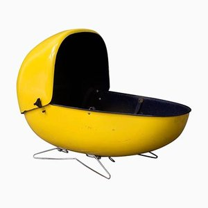 Carrito de viaje de fibra de vidrio amarillo brillante, años 60