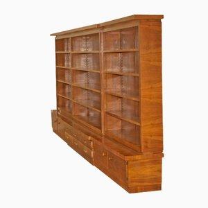 Großes Mid-Century Bücherregal aus Nussholz, 1960er
