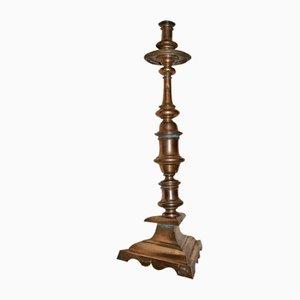 Dreibeiniger Kerzenhalter aus vergoldeter Bronze, 1650er