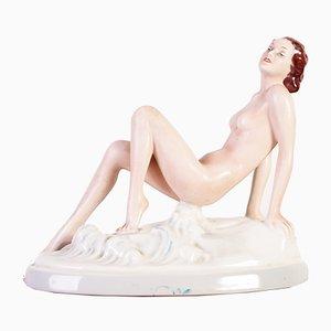 Bohème Skulptur einer nackten Frau aus Porzellan von Elly Strobach König für Royal Dux, 1936