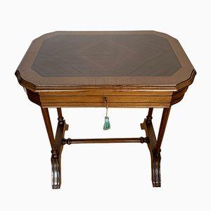 Tavolino in legno di quercia intarsiato, anni '50