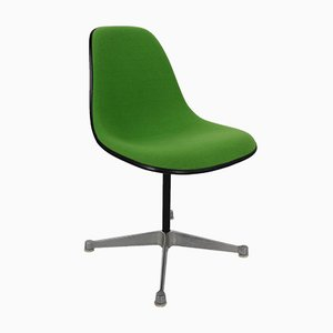 Vintage Upholstered Swivel Chair with Contractor Base by Charles & Ray Eames for Herman Miller
