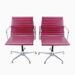 EA107 Armlehnstühle von Charles & Ray Eames für ICF, 1970er, 2er Set