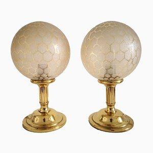 Lámparas de mesa Mid-Century de latón y vidrio. Juego de 2