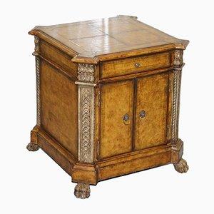 Antiker Schrank im Regency Stil