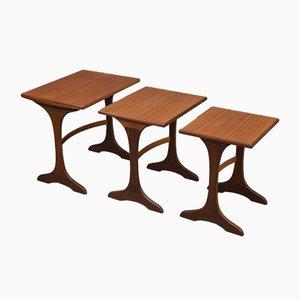 Tavolini a incastro Mid-Century di Victor Wilkins per G-Plan, anni '70