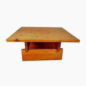 Tavolino da caffè in legno di pino massiccio di Roland Wihelmsson, anni '60