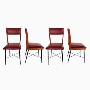 Italienische Mid-Century Esszimmerstühle mit Gestell aus Kastanienholz & rotem Bezug aus Kunstleder, 1950er, 4er Set