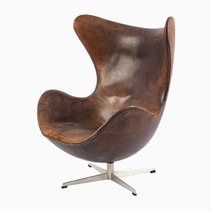 Egg chair marrone di Arne Jacobsen per Fritz Hansen, anni '60