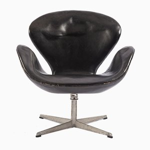 Black Leather Swan Chair by by Arne Jacobsen for Fritz Hansen, 1960s