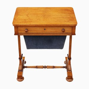 Mesa de costura William IV antigua de arce ojo de perdiz, década de 1830