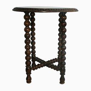 Antiker runder Beistelltisch aus Kastanienholz mit gedrehten Beinen
