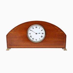 Reloj de repisa eduardiano antiguo de caoba con incrustaciones