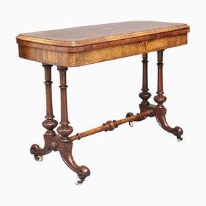 Tavolo da gioco in radica di noce, XIX secolo