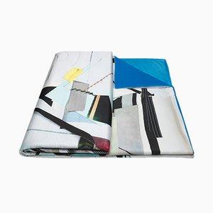 Copriletto Collage in tessuto blu e bianco crema di Briggs & Cole, 2017