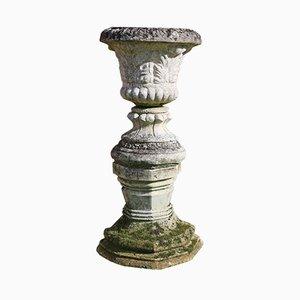 Urna o maceta estilo antiguo grande de hierro fundido con pedestal