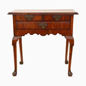 Antiker georgischer Walnuss Schreibtisch