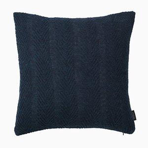 Cuscino a spina di pesce blu scuro di Louise Roe
