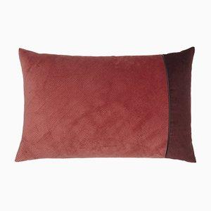 Cuscino in velluto a coste rosa e bordeaux di Louise Roe